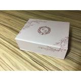 caixa personalizada Chácara Flora